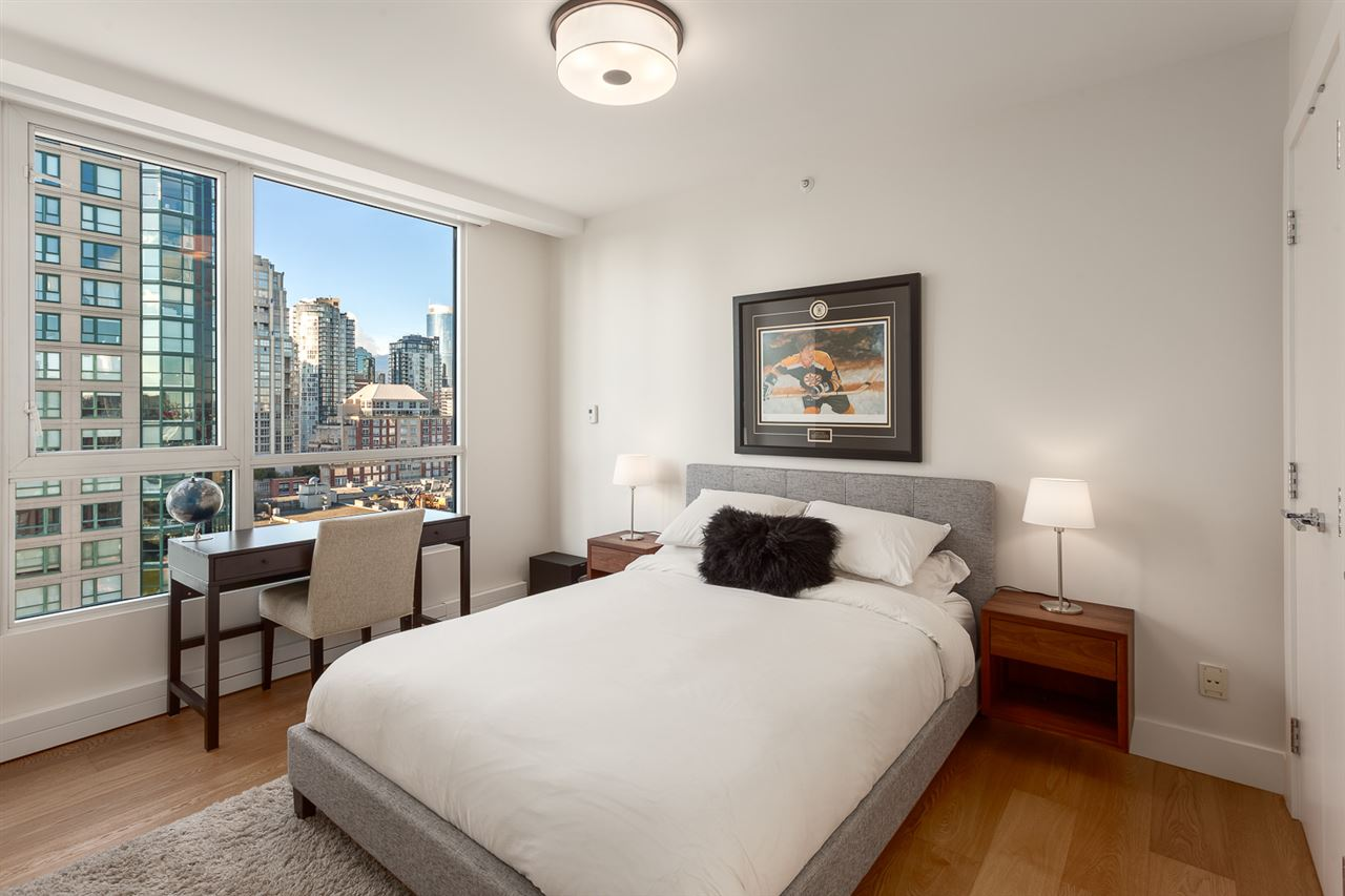 Condo Apartment at 18B 199 DRAKE STREET, Unit 18B, Vancouver West, British Columbia. Image 11