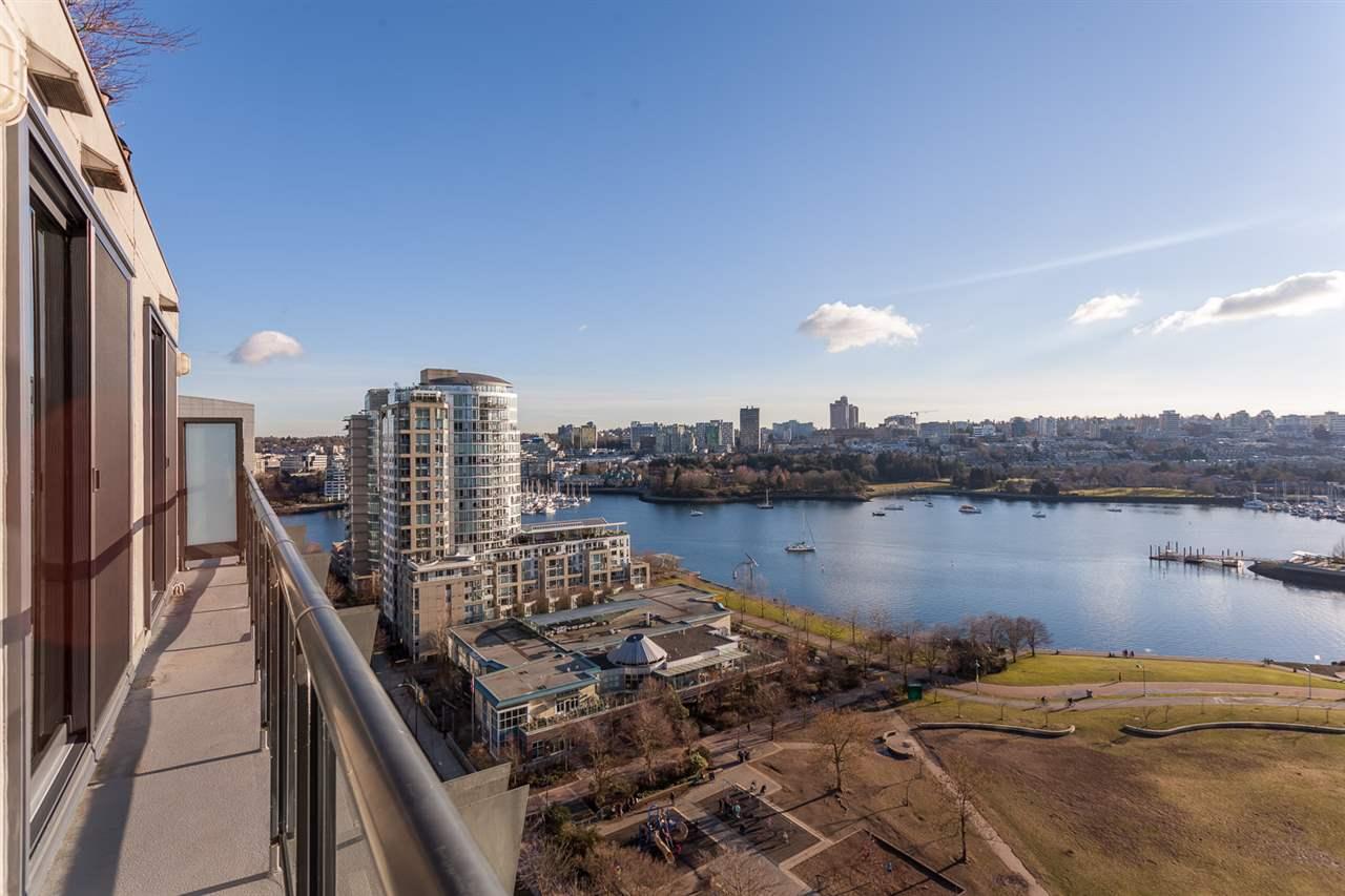 Condo Apartment at 18B 199 DRAKE STREET, Unit 18B, Vancouver West, British Columbia. Image 17