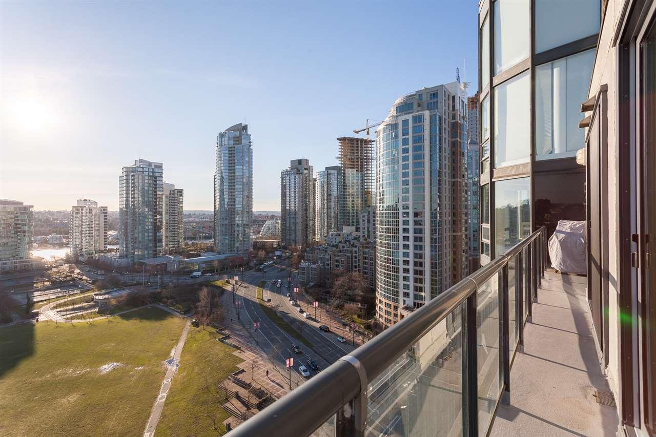 Condo Apartment at 18B 199 DRAKE STREET, Unit 18B, Vancouver West, British Columbia. Image 18