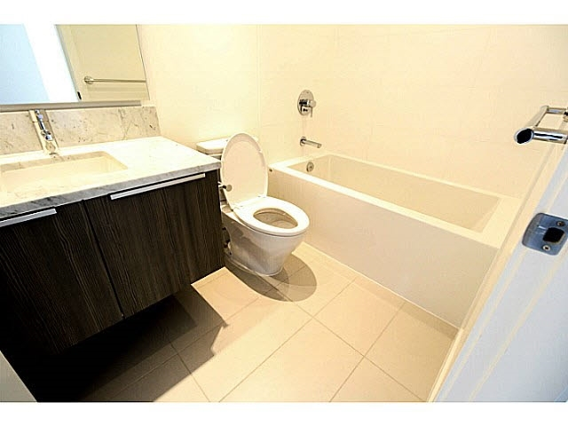 Condo Apartment at 3607 6461 TELFORD AVENUE, Unit 3607, Burnaby South, British Columbia. Image 8