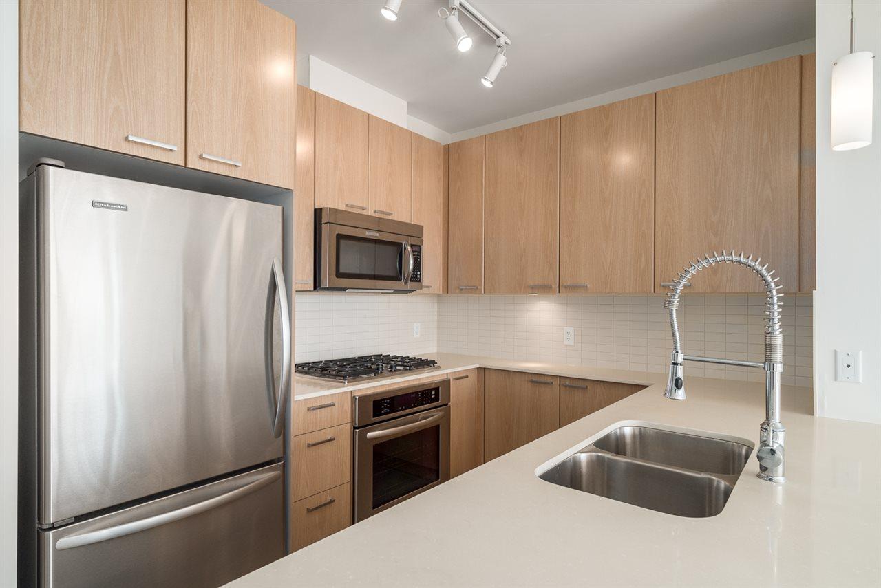 Condo Apartment at 2301 2789 SHAUGHNESSY STREET, Unit 2301, Port Coquitlam, British Columbia. Image 6