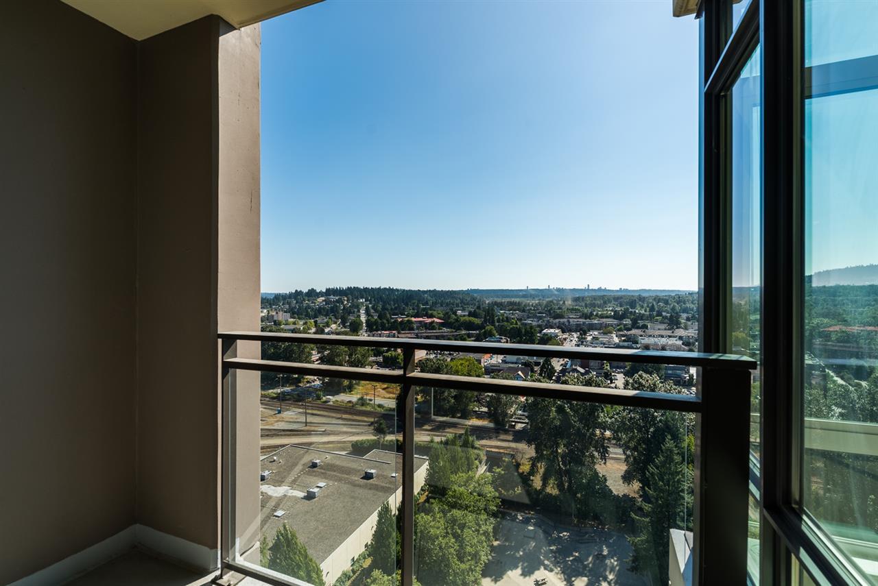 Condo Apartment at 2301 2789 SHAUGHNESSY STREET, Unit 2301, Port Coquitlam, British Columbia. Image 11