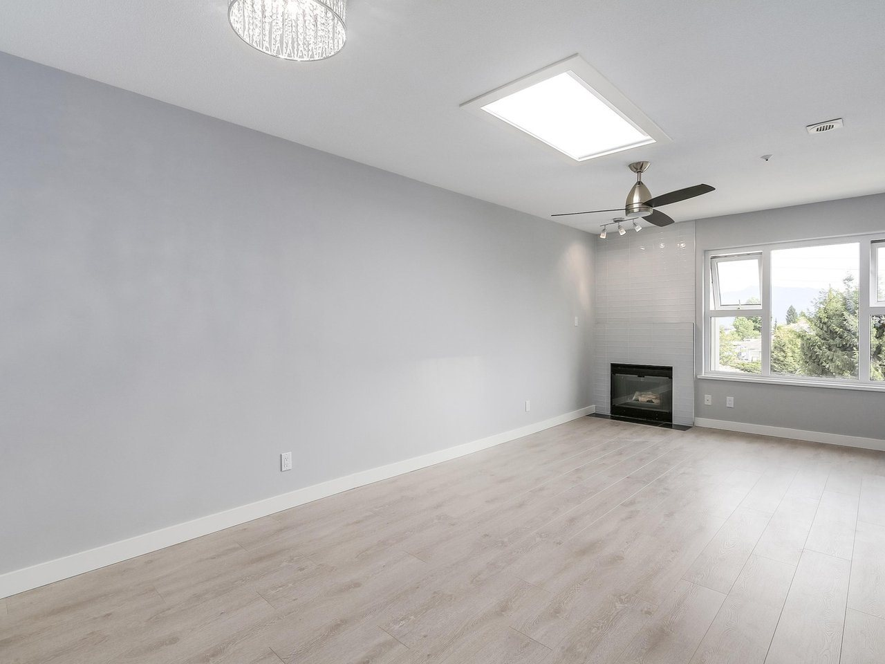 Condo Apartment at 312 4893 CLARENDON STREET, Unit 312, Vancouver East, British Columbia. Image 2