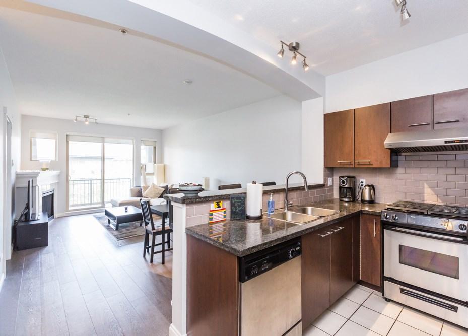 Condo Apartment at 2411 5113 GARDEN CITY ROAD, Unit 2411, Richmond, British Columbia. Image 3