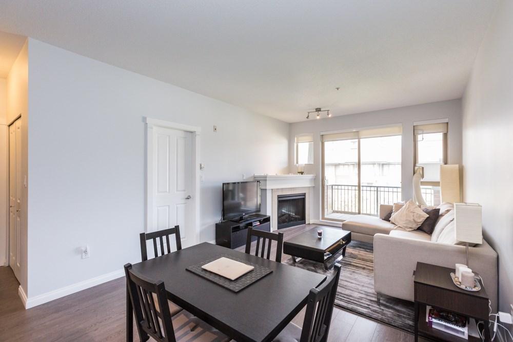 Condo Apartment at 2411 5113 GARDEN CITY ROAD, Unit 2411, Richmond, British Columbia. Image 5