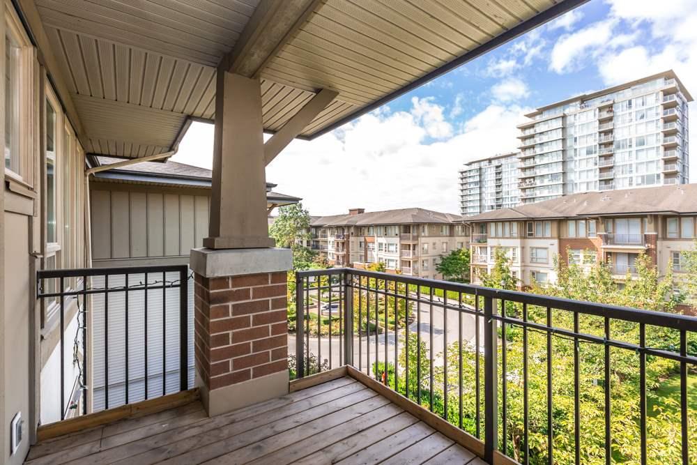 Condo Apartment at 2411 5113 GARDEN CITY ROAD, Unit 2411, Richmond, British Columbia. Image 9