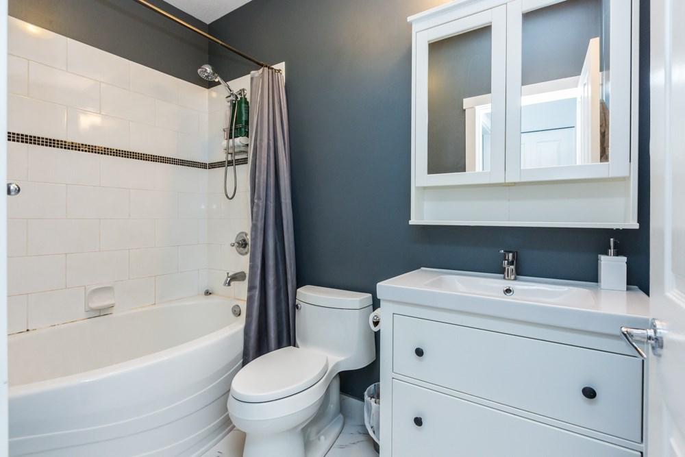Condo Apartment at 2411 5113 GARDEN CITY ROAD, Unit 2411, Richmond, British Columbia. Image 12