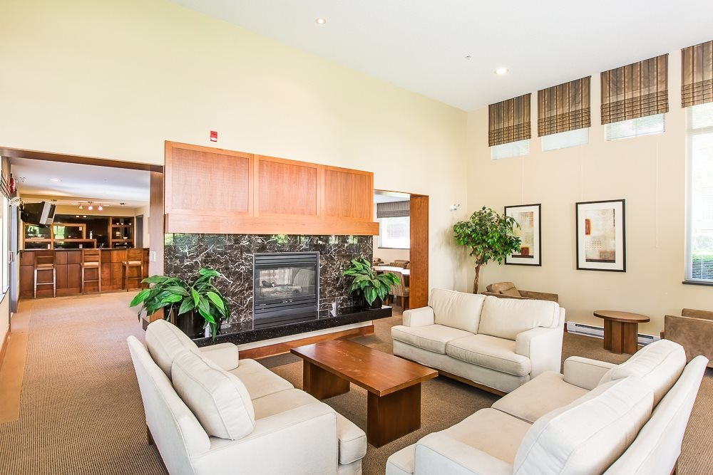 Condo Apartment at 2411 5113 GARDEN CITY ROAD, Unit 2411, Richmond, British Columbia. Image 15