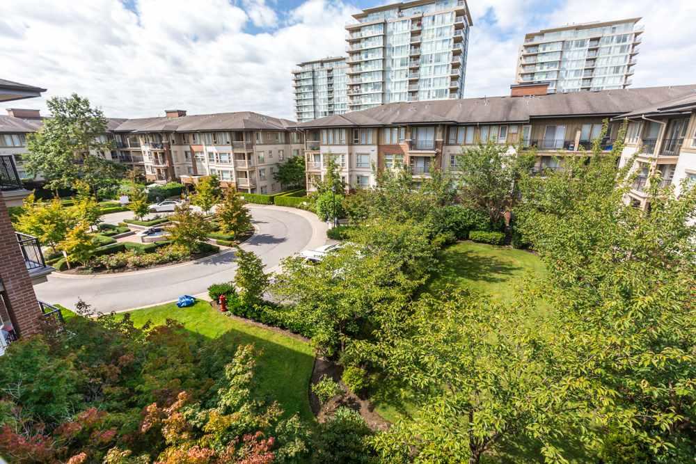 Condo Apartment at 2411 5113 GARDEN CITY ROAD, Unit 2411, Richmond, British Columbia. Image 20