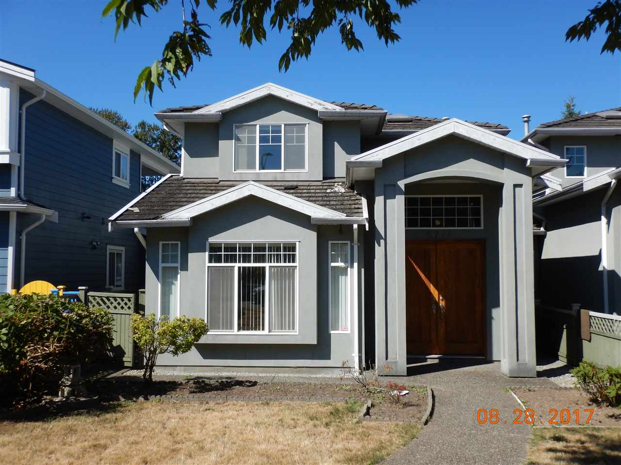 Half-duplex at 6711 GRIFFITHS AVENUE, Burnaby South, British Columbia. Image 1