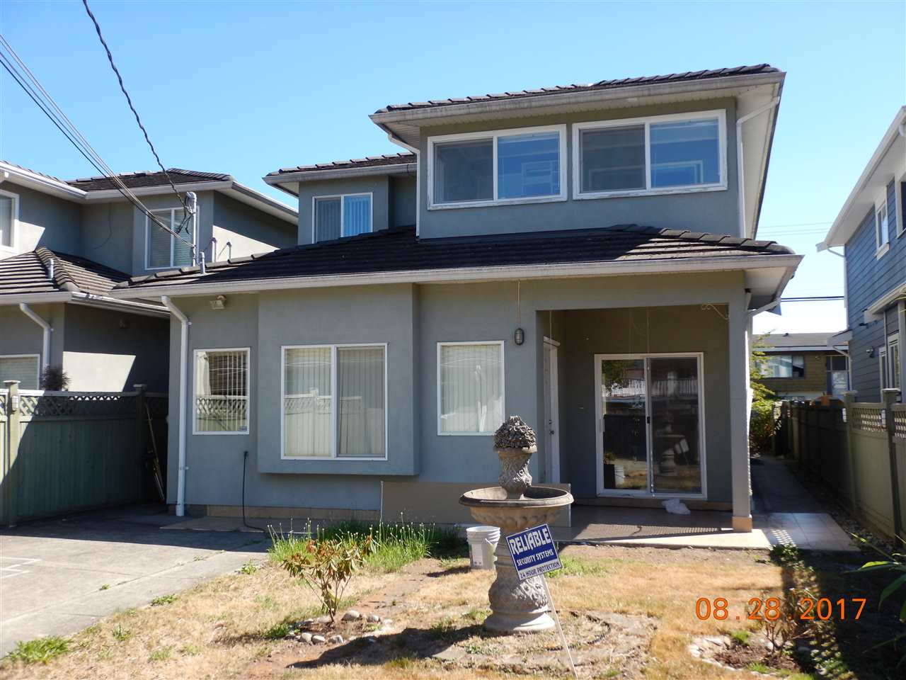 Half-duplex at 6711 GRIFFITHS AVENUE, Burnaby South, British Columbia. Image 20