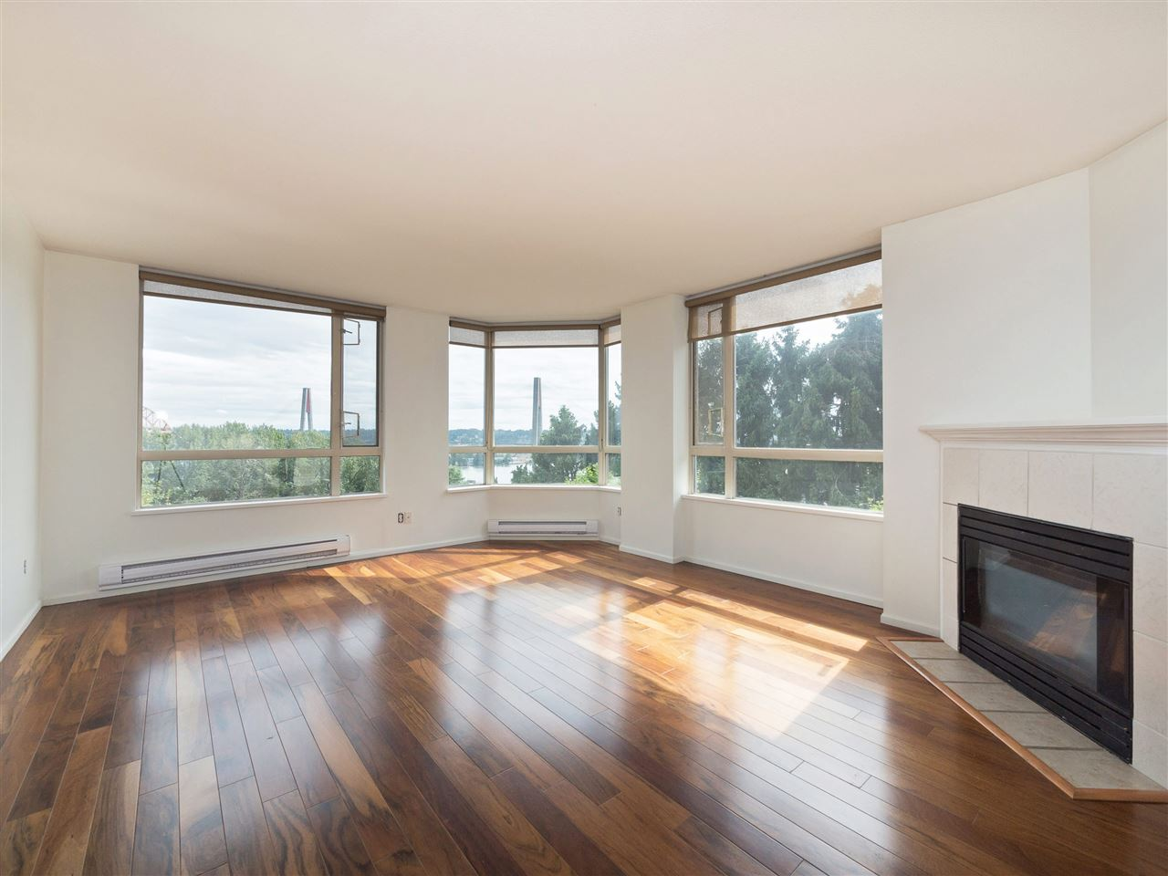 Condo Apartment at 503 38 LEOPOLD PLACE, Unit 503, New Westminster, British Columbia. Image 4