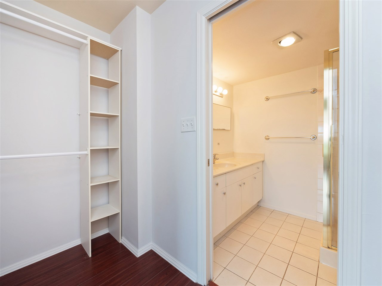 Condo Apartment at 503 38 LEOPOLD PLACE, Unit 503, New Westminster, British Columbia. Image 12