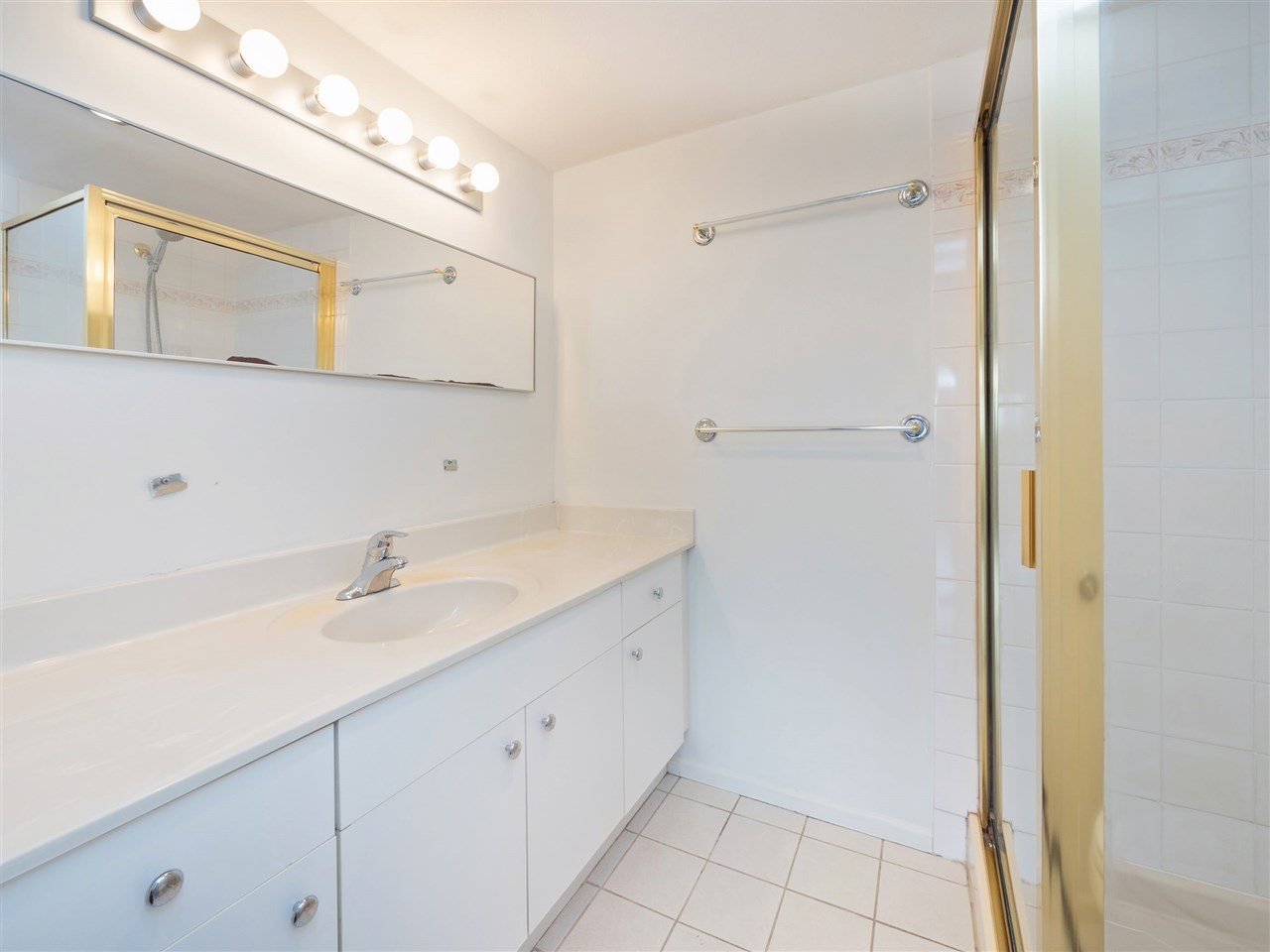 Condo Apartment at 503 38 LEOPOLD PLACE, Unit 503, New Westminster, British Columbia. Image 13