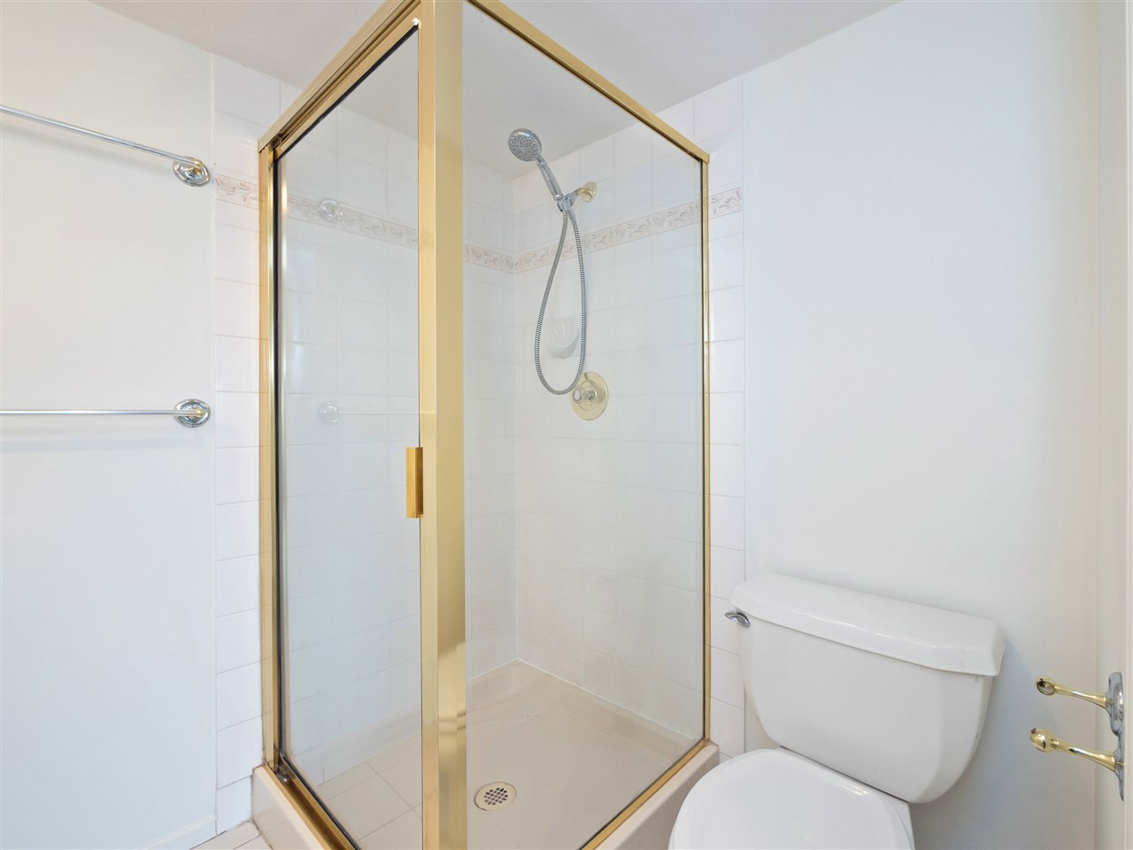 Condo Apartment at 503 38 LEOPOLD PLACE, Unit 503, New Westminster, British Columbia. Image 14