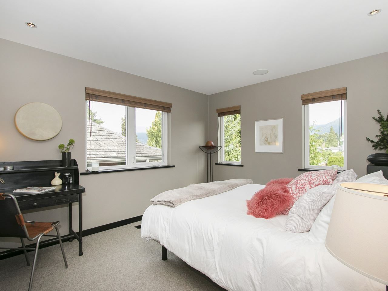 Townhouse at 215 W 17TH STREET, North Vancouver, British Columbia. Image 5