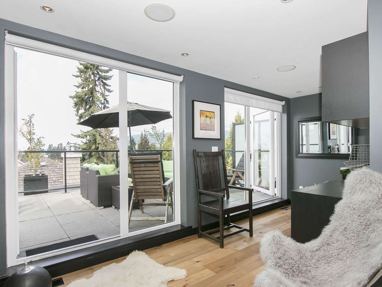 Townhouse at 215 W 17TH STREET, North Vancouver, British Columbia. Image 6