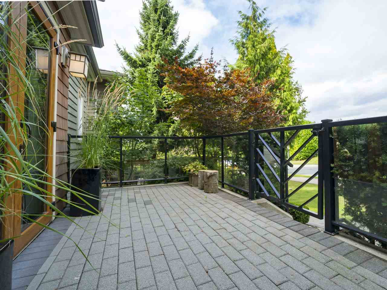 Townhouse at 215 W 17TH STREET, North Vancouver, British Columbia. Image 7