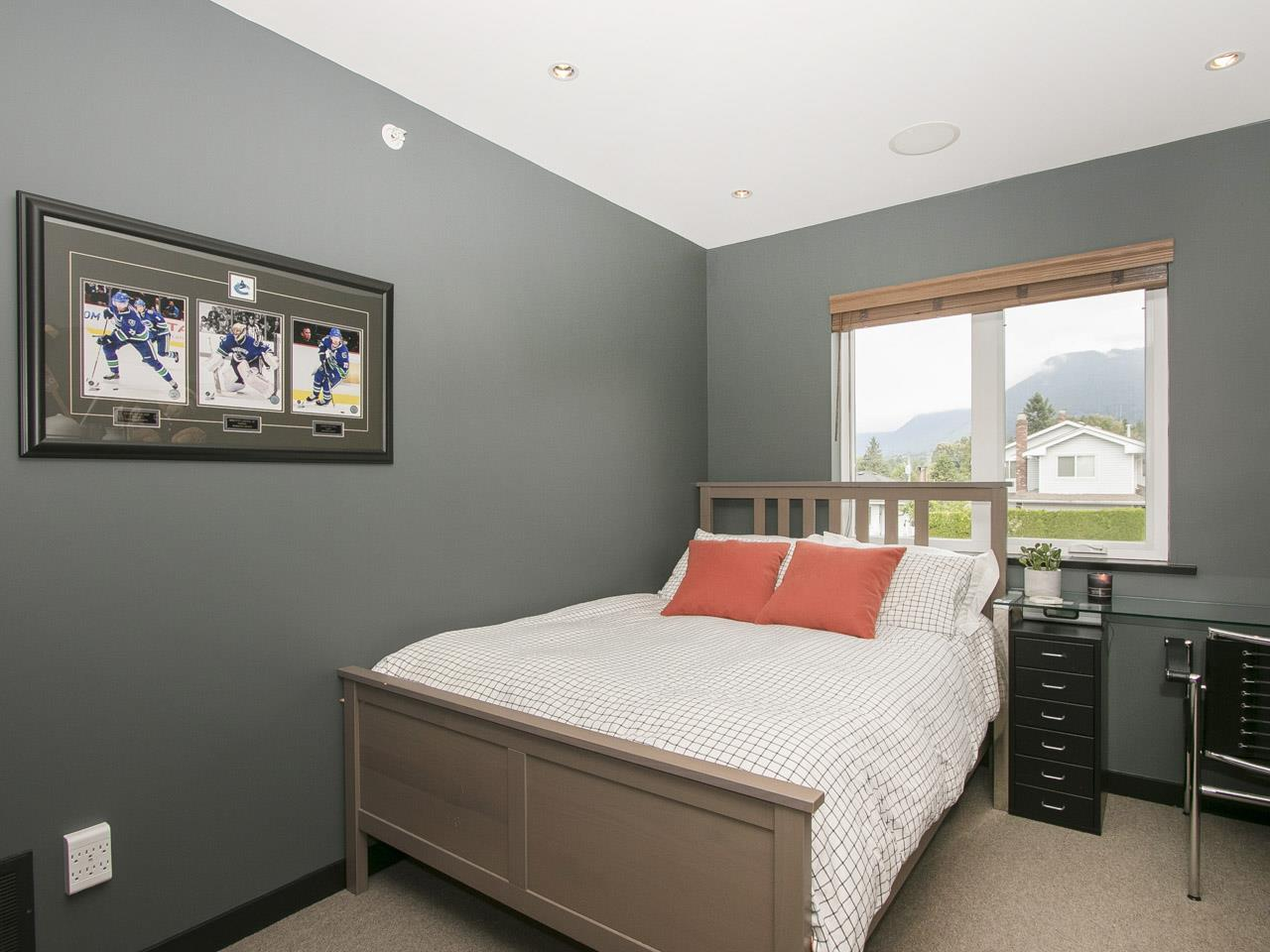 Townhouse at 215 W 17TH STREET, North Vancouver, British Columbia. Image 11