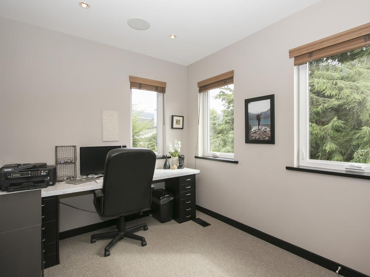 Townhouse at 215 W 17TH STREET, North Vancouver, British Columbia. Image 12
