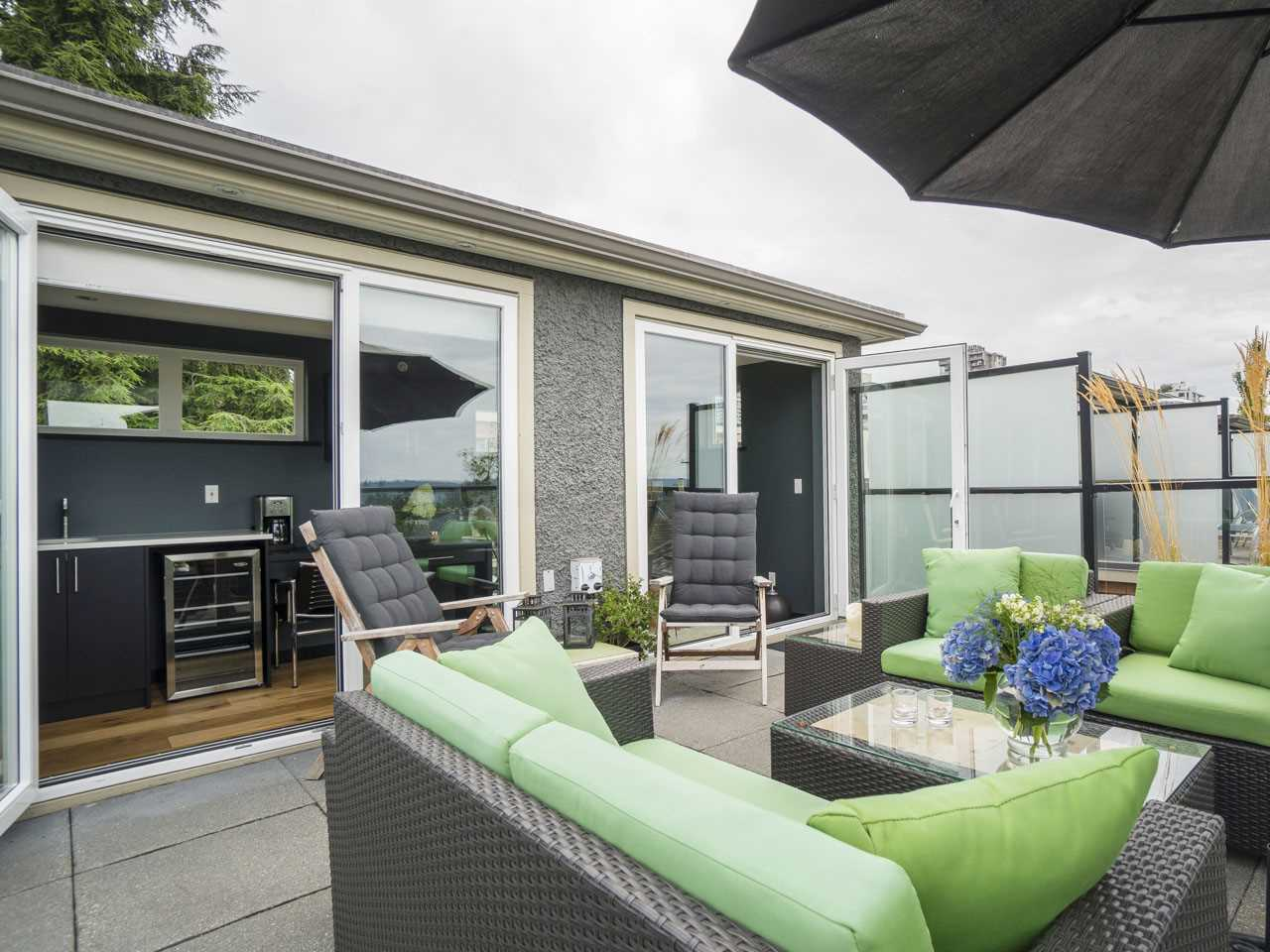 Townhouse at 215 W 17TH STREET, North Vancouver, British Columbia. Image 14