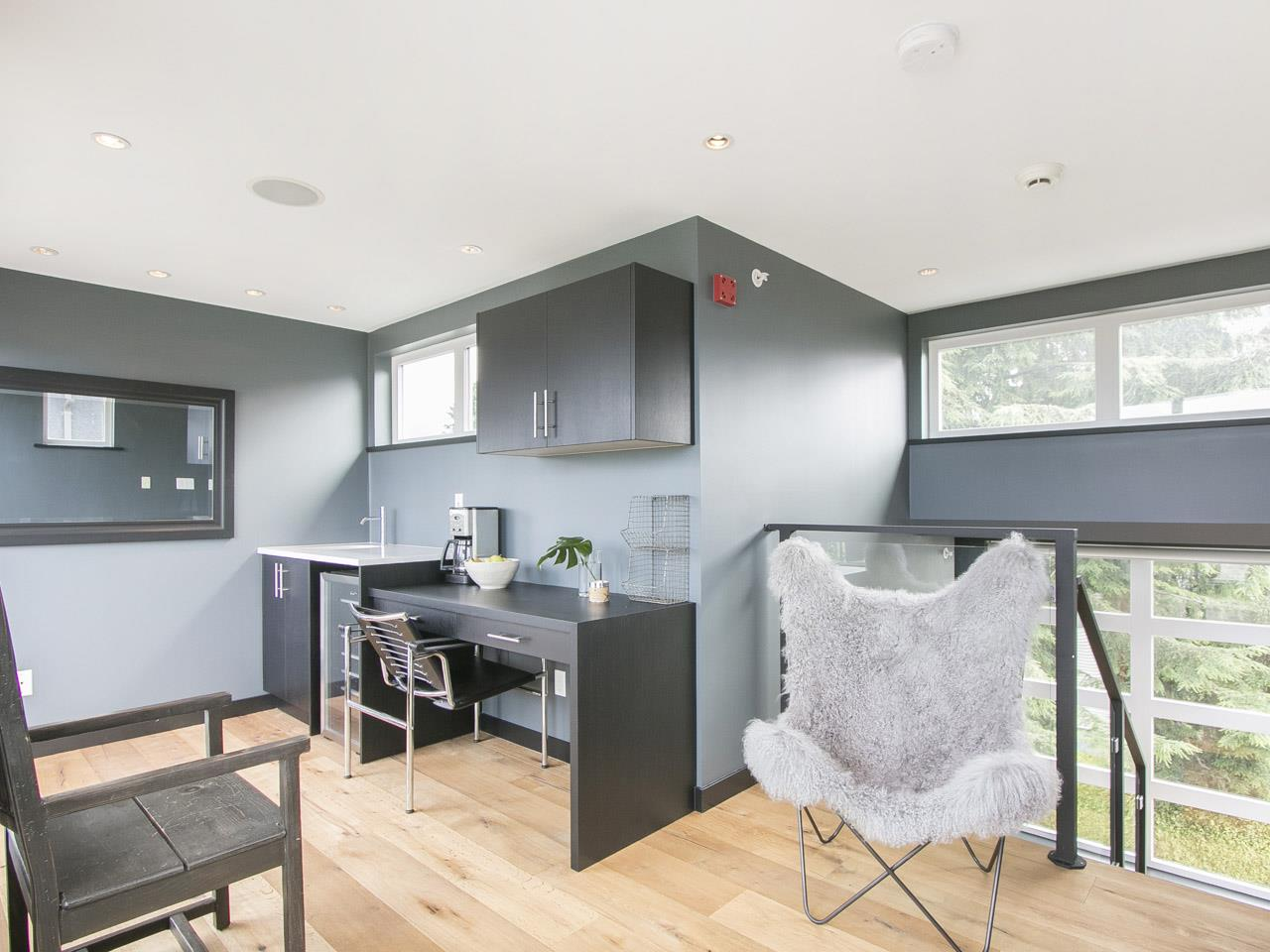 Townhouse at 215 W 17TH STREET, North Vancouver, British Columbia. Image 17