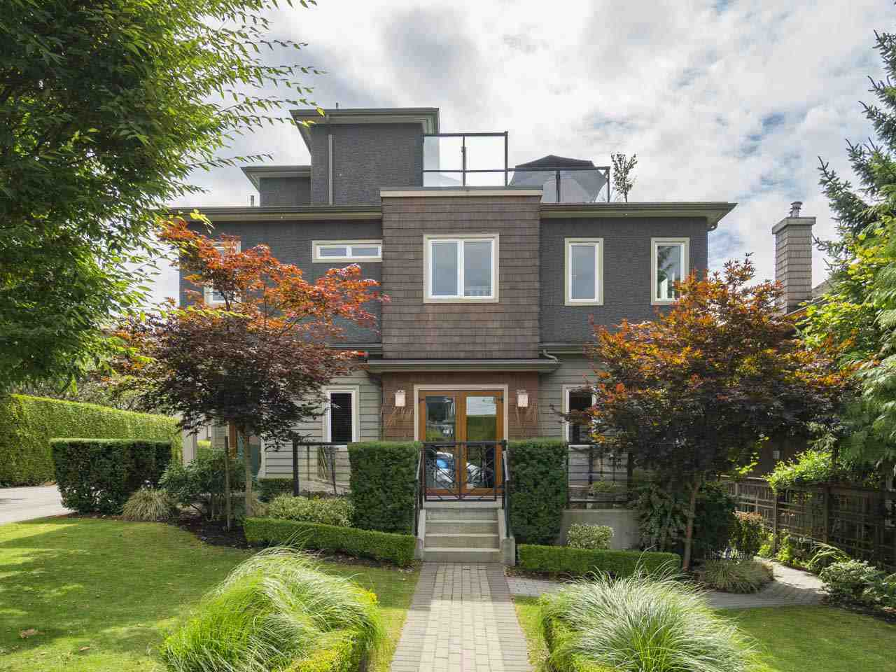 Townhouse at 215 W 17TH STREET, North Vancouver, British Columbia. Image 20