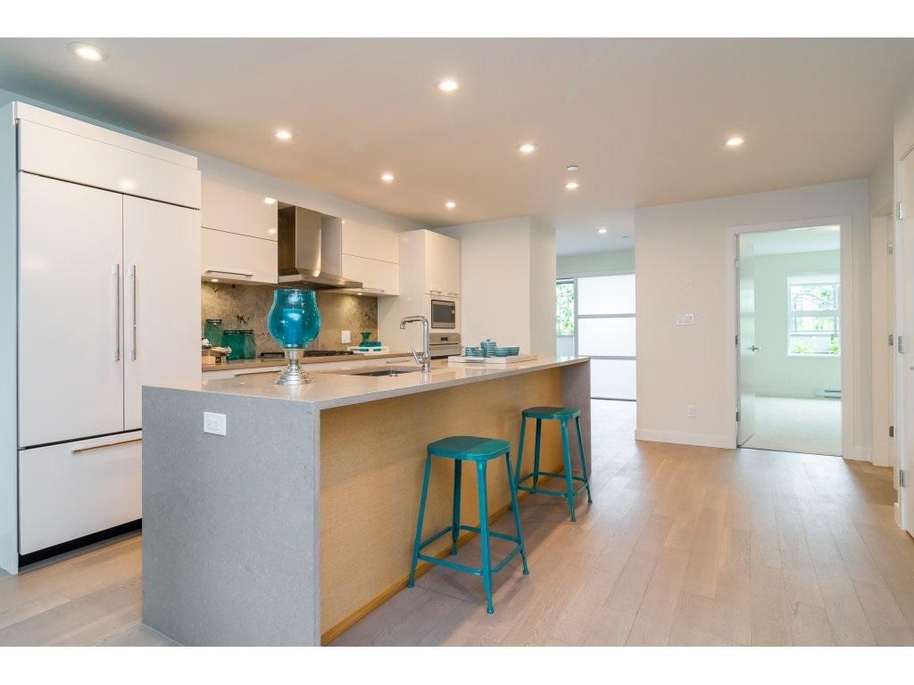 Condo Apartment at 201 1150 OXFORD STREET, Unit 201, South Surrey White Rock, British Columbia. Image 3