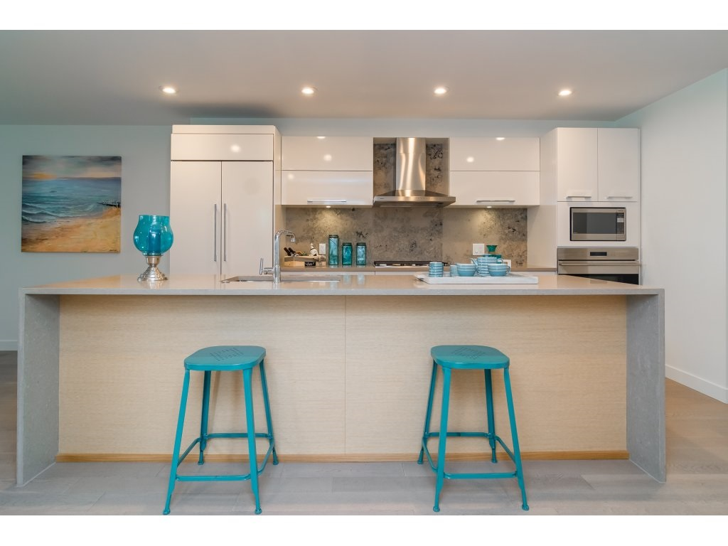 Condo Apartment at 201 1150 OXFORD STREET, Unit 201, South Surrey White Rock, British Columbia. Image 4
