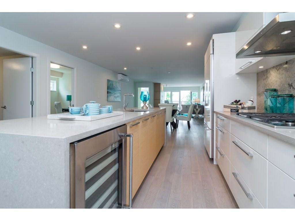 Condo Apartment at 201 1150 OXFORD STREET, Unit 201, South Surrey White Rock, British Columbia. Image 5