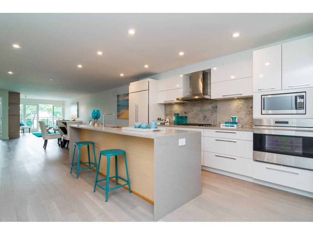 Condo Apartment at 201 1150 OXFORD STREET, Unit 201, South Surrey White Rock, British Columbia. Image 6