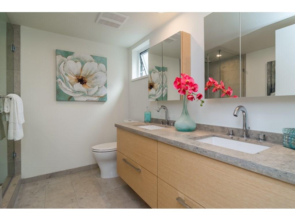 Condo Apartment at 201 1150 OXFORD STREET, Unit 201, South Surrey White Rock, British Columbia. Image 13