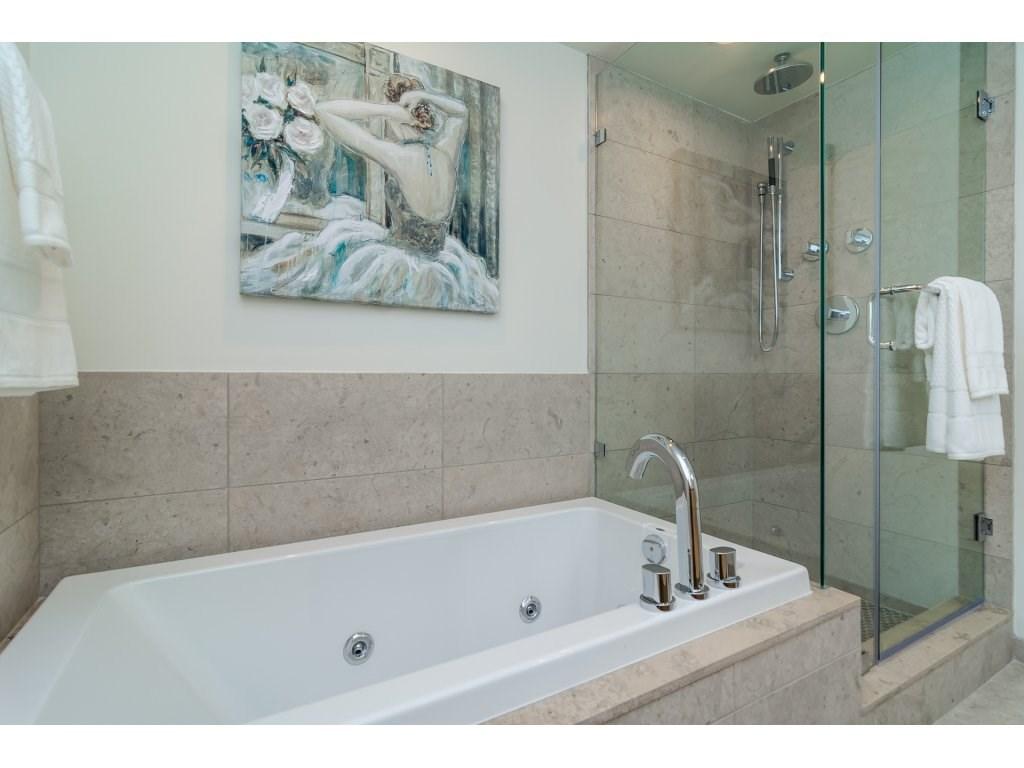 Condo Apartment at 201 1150 OXFORD STREET, Unit 201, South Surrey White Rock, British Columbia. Image 14