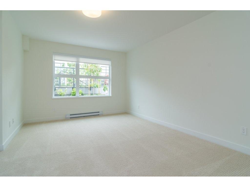 Condo Apartment at 201 1150 OXFORD STREET, Unit 201, South Surrey White Rock, British Columbia. Image 15