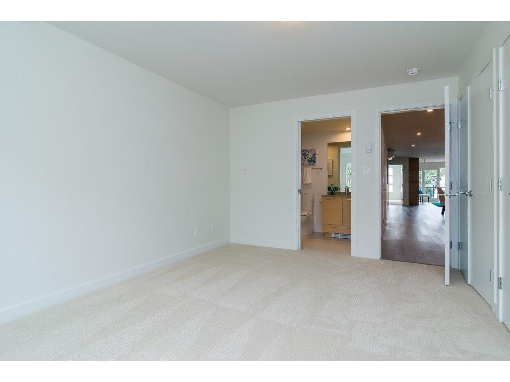 Condo Apartment at 201 1150 OXFORD STREET, Unit 201, South Surrey White Rock, British Columbia. Image 16