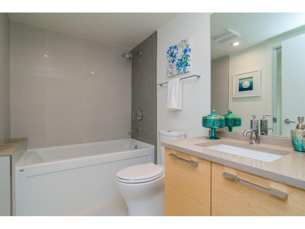Condo Apartment at 201 1150 OXFORD STREET, Unit 201, South Surrey White Rock, British Columbia. Image 17