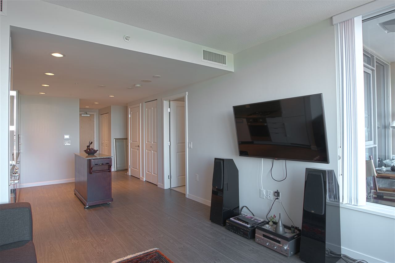 Condo Apartment at B702 3331 BROWN ROAD, Unit B702, Richmond, British Columbia. Image 3