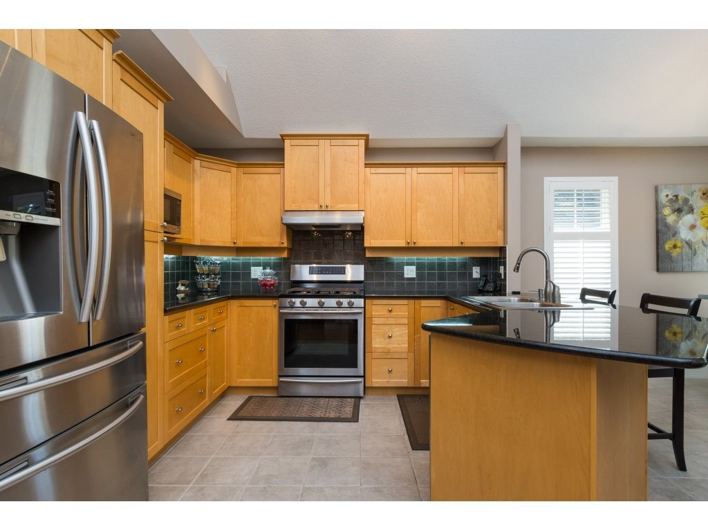 Townhouse at 79 15500 ROSEMARY HEIGHTS CRESCENT, Unit 79, South Surrey White Rock, British Columbia. Image 8