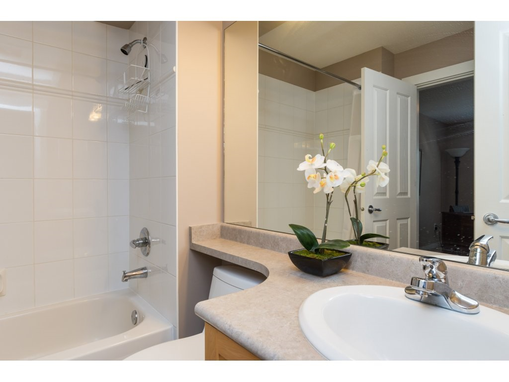 Townhouse at 79 15500 ROSEMARY HEIGHTS CRESCENT, Unit 79, South Surrey White Rock, British Columbia. Image 17