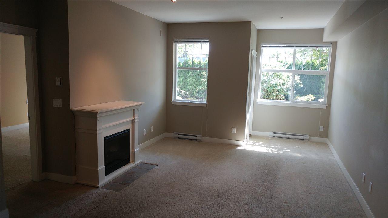 Condo Apartment at 108 17712 57A AVENUE, Unit 108, Cloverdale, British Columbia. Image 3