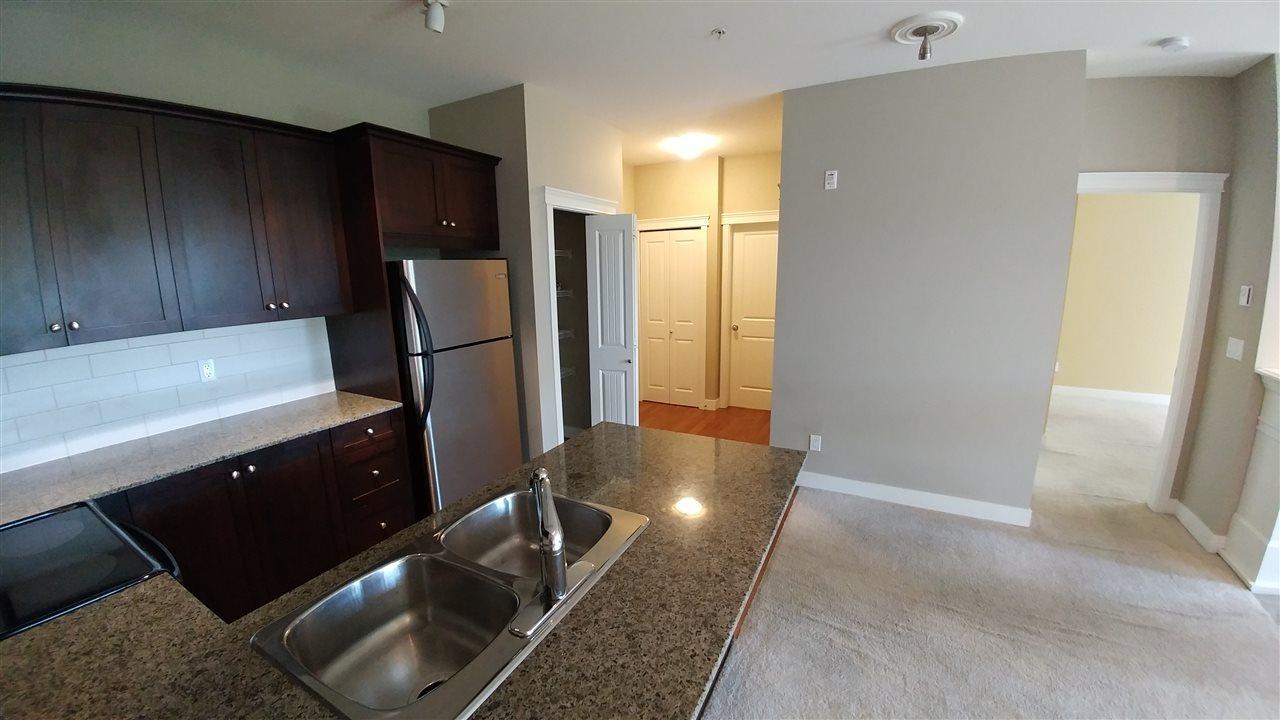Condo Apartment at 108 17712 57A AVENUE, Unit 108, Cloverdale, British Columbia. Image 4