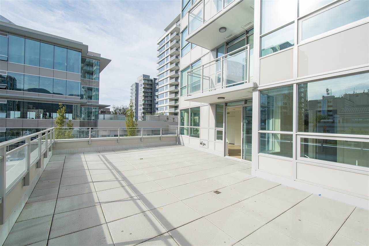 Condo Apartment at 302 125 E 14TH STREET, Unit 302, North Vancouver, British Columbia. Image 1