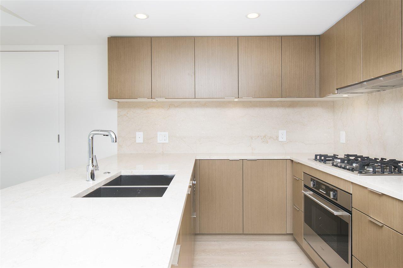 Condo Apartment at 302 125 E 14TH STREET, Unit 302, North Vancouver, British Columbia. Image 3