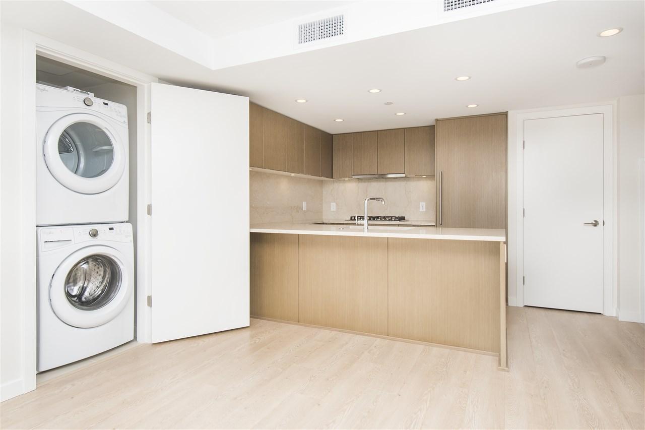 Condo Apartment at 302 125 E 14TH STREET, Unit 302, North Vancouver, British Columbia. Image 5
