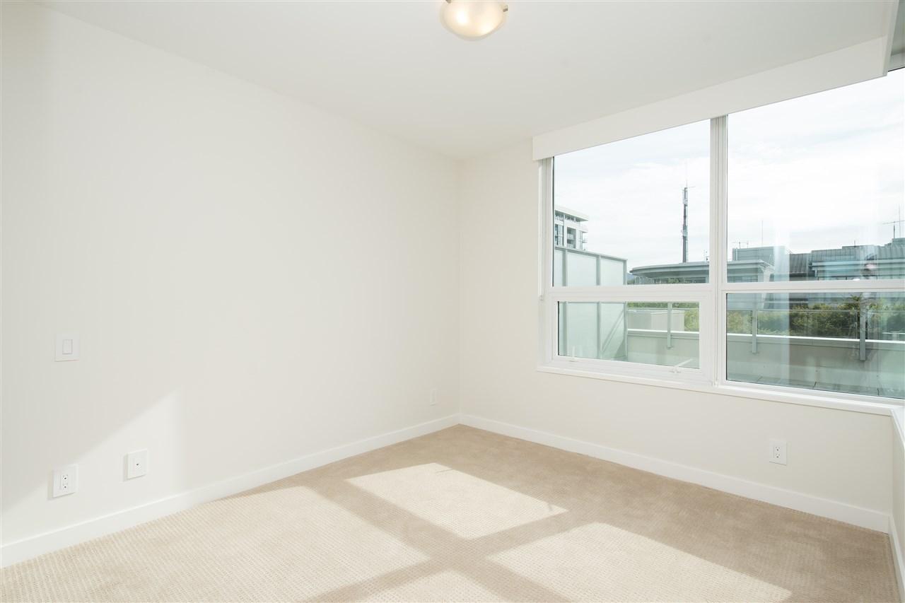 Condo Apartment at 302 125 E 14TH STREET, Unit 302, North Vancouver, British Columbia. Image 10