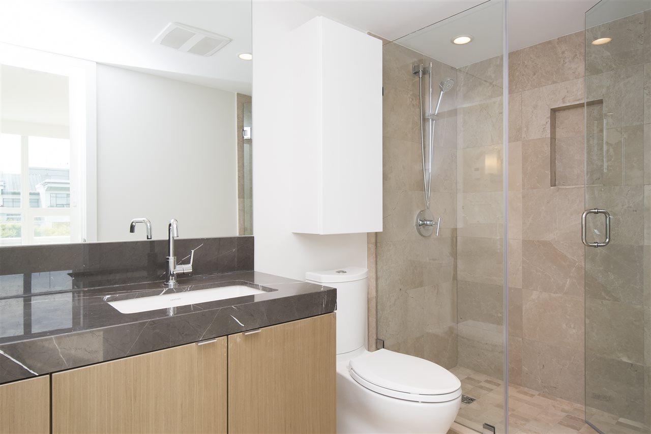 Condo Apartment at 302 125 E 14TH STREET, Unit 302, North Vancouver, British Columbia. Image 11