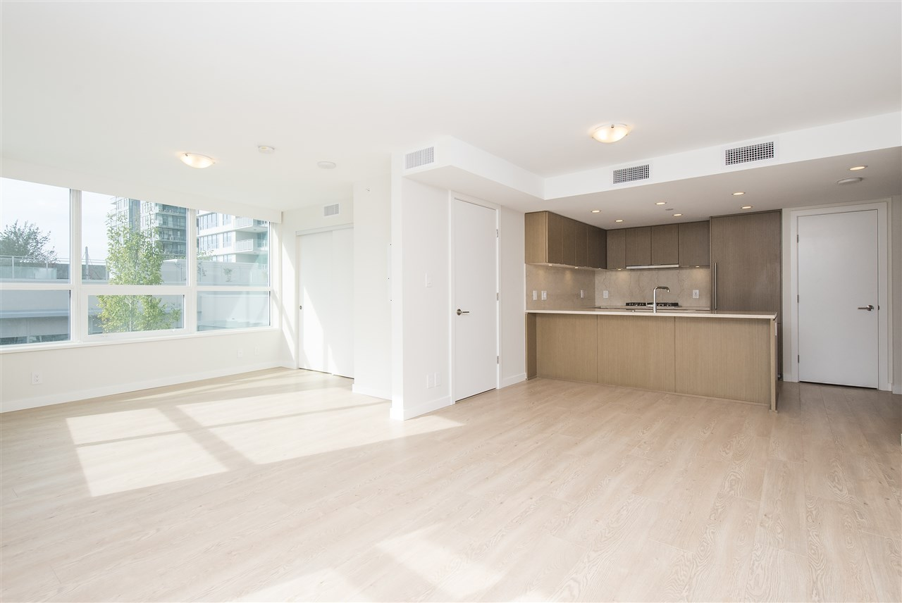 Condo Apartment at 302 125 E 14TH STREET, Unit 302, North Vancouver, British Columbia. Image 12
