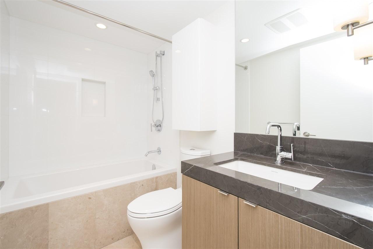 Condo Apartment at 302 125 E 14TH STREET, Unit 302, North Vancouver, British Columbia. Image 13