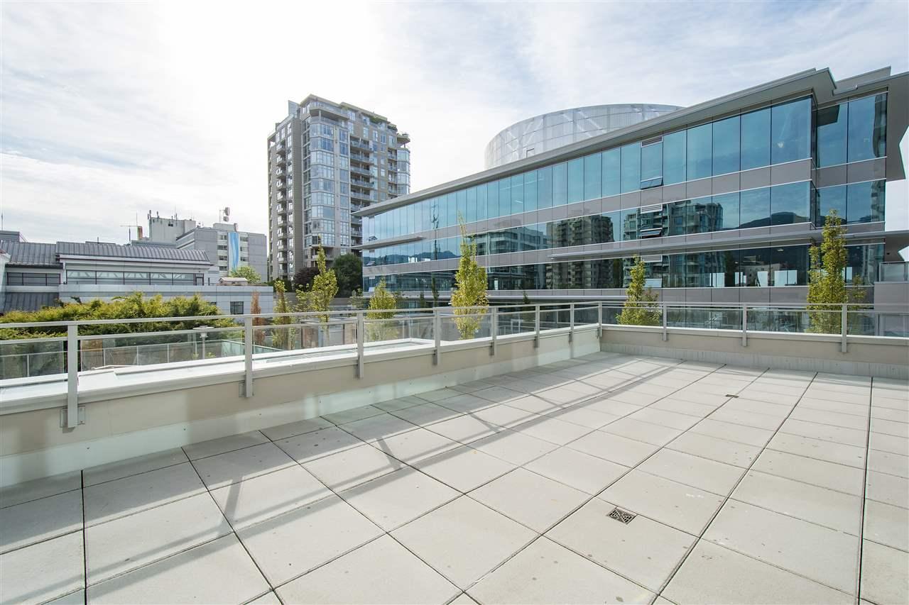 Condo Apartment at 302 125 E 14TH STREET, Unit 302, North Vancouver, British Columbia. Image 14