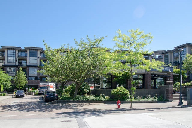 Condo Apartment at 426 10838 CITY PARKWAY, Unit 426, North Surrey, British Columbia. Image 19